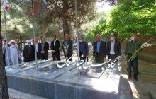 غبارروبی مزار شهدای شهر ملکان بمناسبت هفته قوه قضائیه
